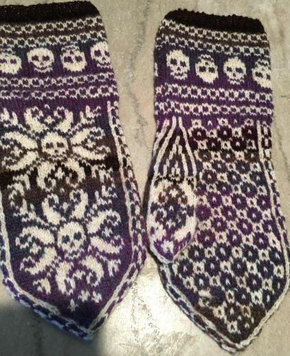 deathflake mittens